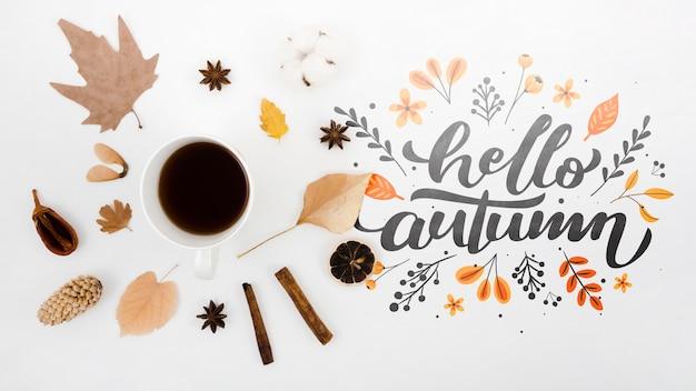 Vue de dessus bonjour l'automne à côté de café