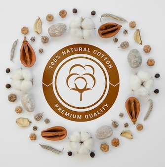 Vue de dessus des bourgeons de coton biologique avec maquette