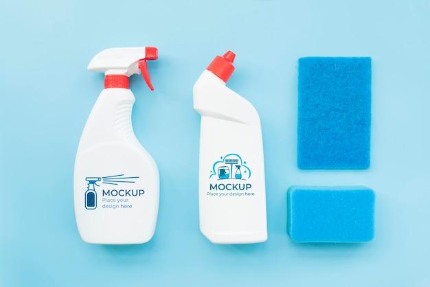 Vue de dessus de disposition des produits de nettoyage