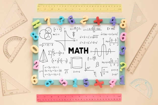 Vue de dessus du cadre avec différents nombres et règles