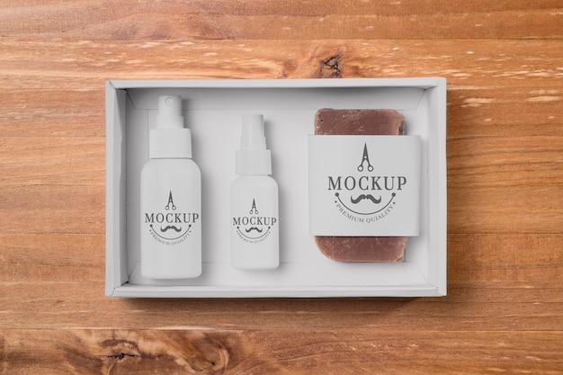 Vue de dessus du jeu de soins de la barbe avec du savon