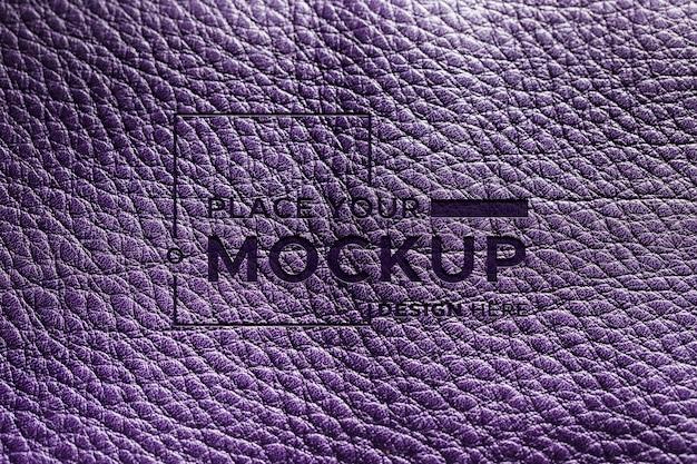 Vue de dessus du matériau en cuir violet