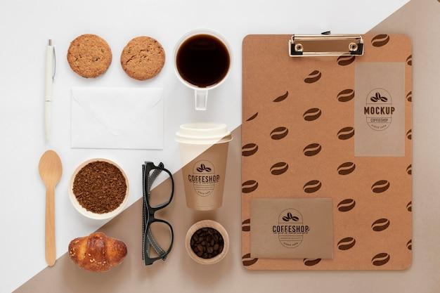Vue de dessus de la maquette du concept de café