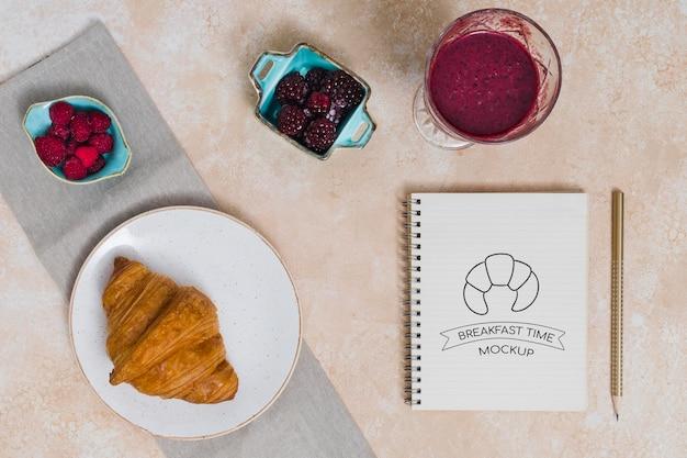 Vue de dessus de la maquette du concept de petit-déjeuner
