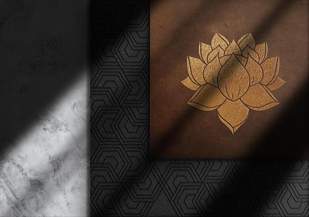 Vue de dessus de la maquette du logo en relief en or de luxe