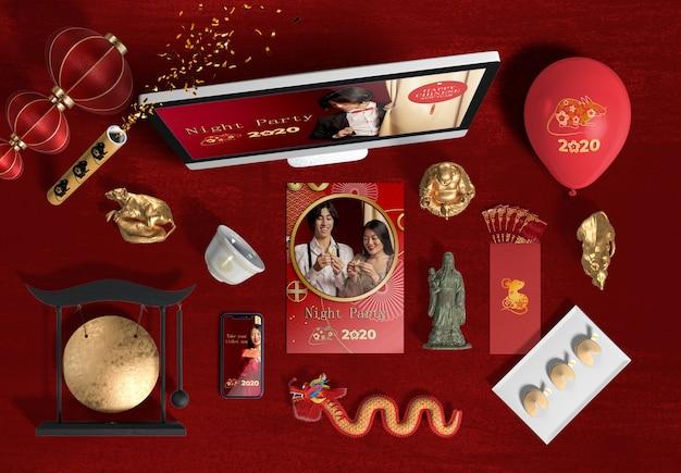 Vue de dessus ordinateur portable et accessoires pour le nouvel an chinois
