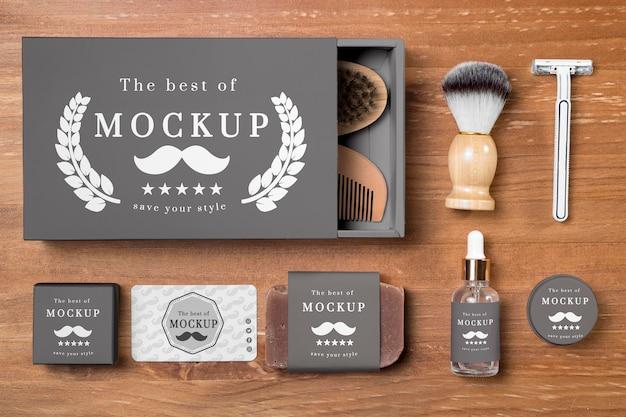 Vue de dessus des produits de soins de la barbe en set avec du savon