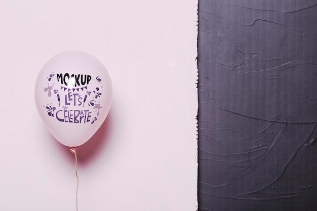 Vue de face de la maquette de ballons pour la célébration
