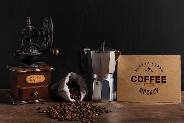 Vue de face de la maquette du concept de café
