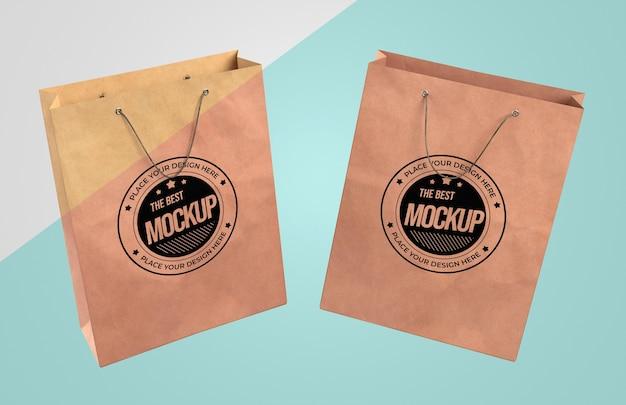 Vue de face de la maquette de sacs en papier