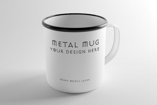 Vue d'une maquette de tasse en métal