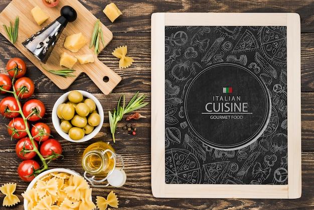 Acima vista maquete de comida italiana