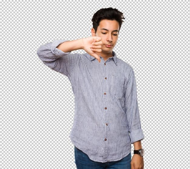 Adolescente fazendo gesto negativo