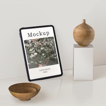 Alto ângulo de exibição de vaso e bacias de madeira