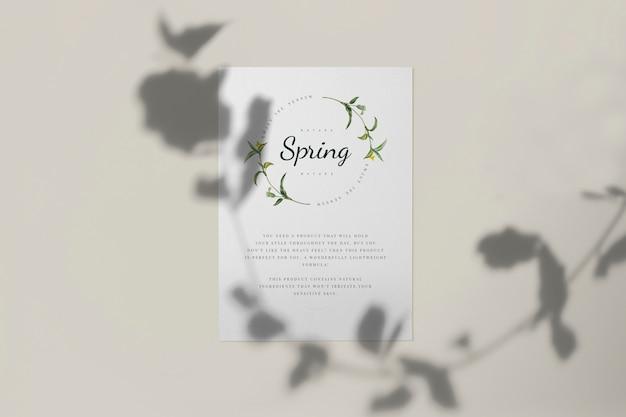 Aproveite a maquete de cartão de temporada de primavera