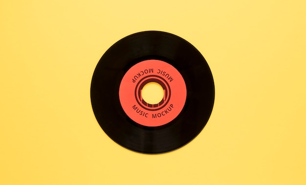 Arranjo com maquete de disco de vinil