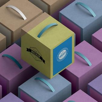 Arranjo de caixas de papelão de desenho isométrico