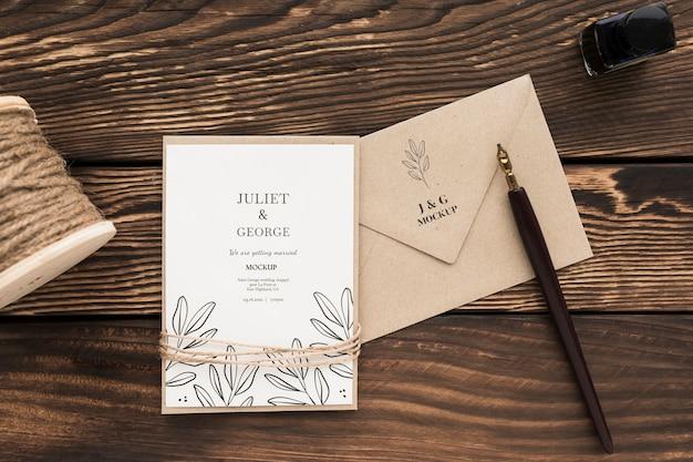 Arranjo de convite de casamento