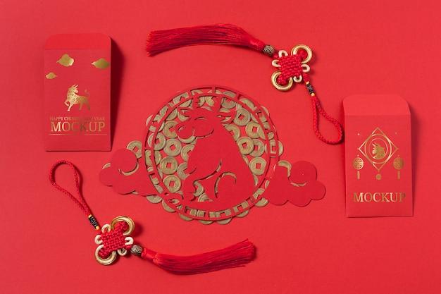 Arranjo de elementos de mock-up isométrico do ano novo chinês