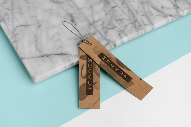 Arranjo de etiquetas de cabide de artesanato em estilo isométrico