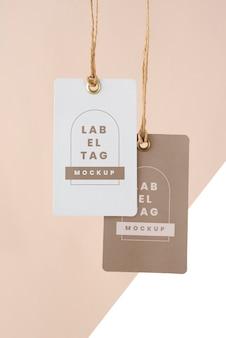 Arranjo de etiquetas de papel mock-up