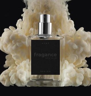Arranjo de frasco de fumaça e perfume