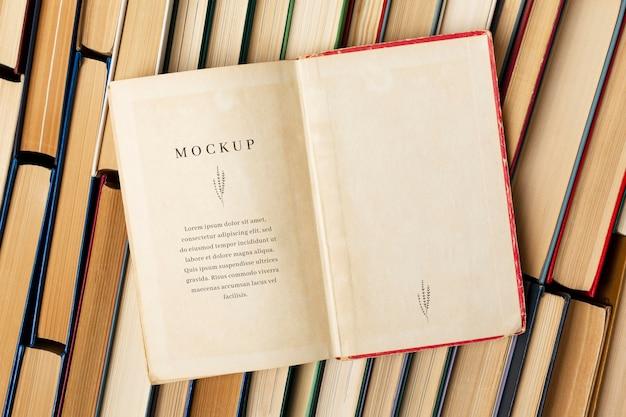 Arranjo de maquete do dia mundial do livro