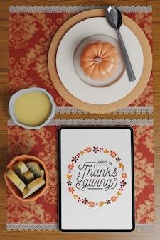 Arranjo de mesa para o dia de ação de graças