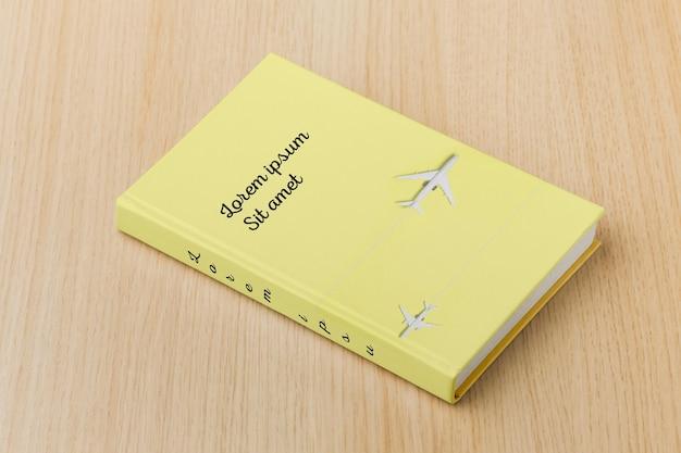 Arranjo de mock-up de capa de livro minimalista de alto ângulo