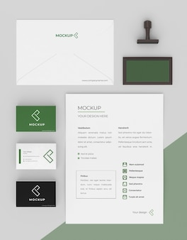 Arranjo de papelaria de mock-up minimalista