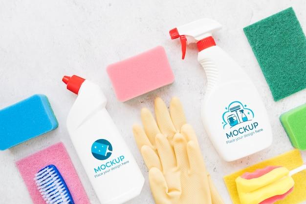 Arranjo de produtos de limpeza