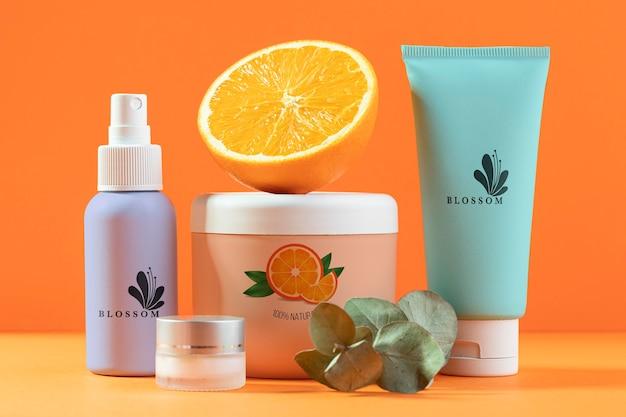 Arranjo natural de cosméticos para suco de laranja