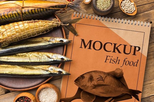 Arranjo plano de comida de peixe delicioso