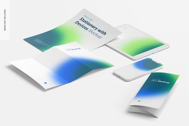 Artigos de papelaria com mockup de dispositivos, visão em perspectiva