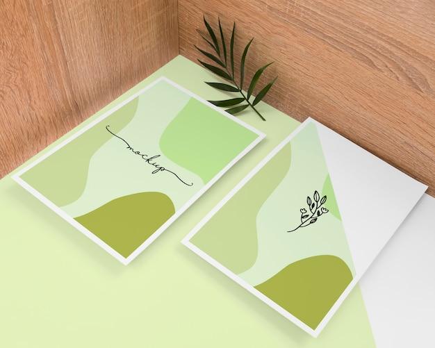 Artigos de papelaria e variedade de plantas Psd grátis