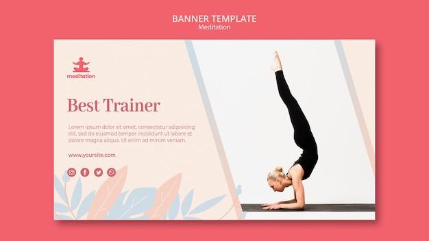 Aulas de meditação banner modelo com foto de mulher exercitando