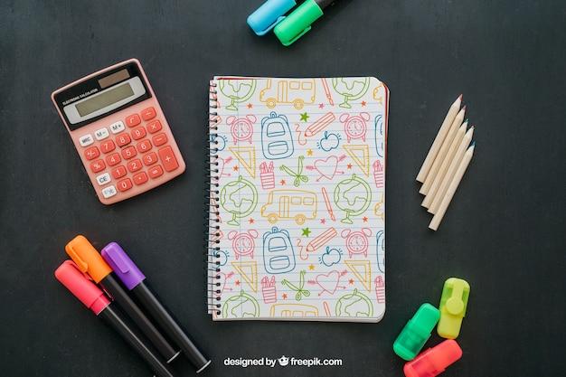 Back to school maquete com caderno