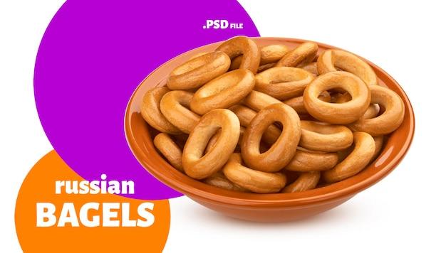 Bagels russos, anéis de pão isolados