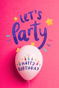 Balão de aniversário com espaço de cópia