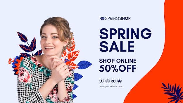 Bandeira de venda de primavera de mulher sorridente