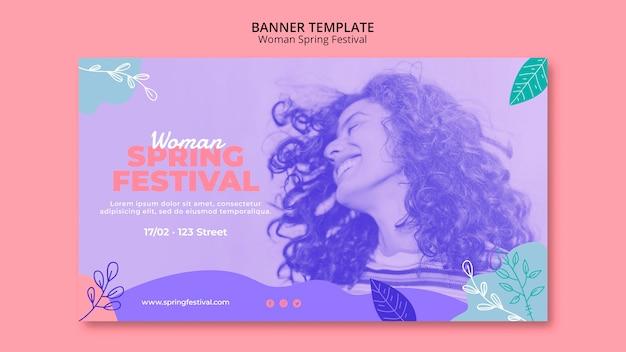Banner com festival de primavera de mulher