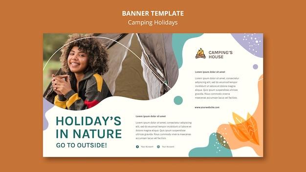 Banner de modelo de anúncio de férias em acampamento