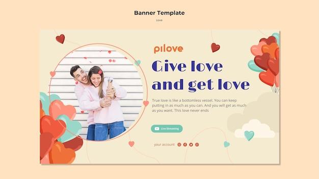 Banner horizontal para amor com casal romântico e corações