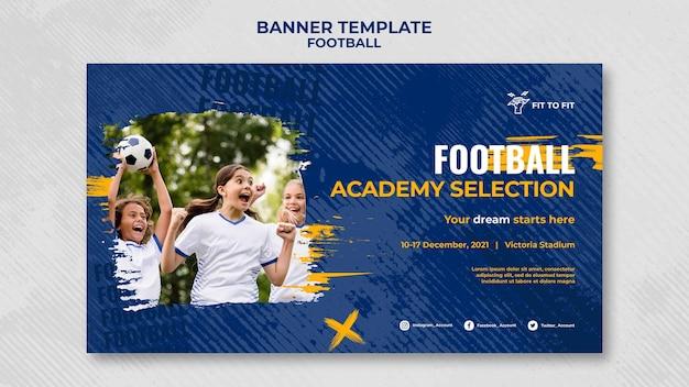 Banner horizontal para treino de futebol infantil