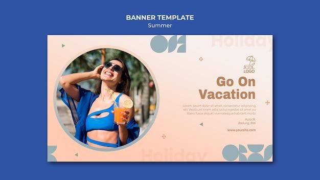 Banner modelo de viagens de verão