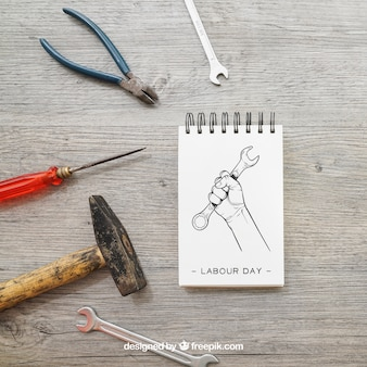 Bloco de notas e ferramentas