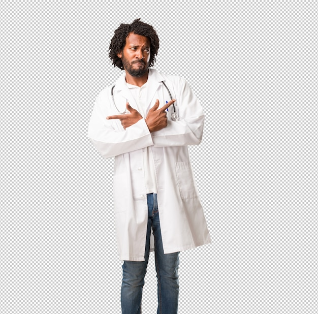 Bonito, americano africano, doutor médico, homem confuso e duvidoso