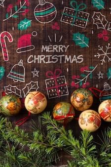Braches de coroa com globos para o natal