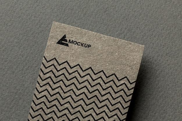 Branding da empresa em arranjo de maquete de cartão