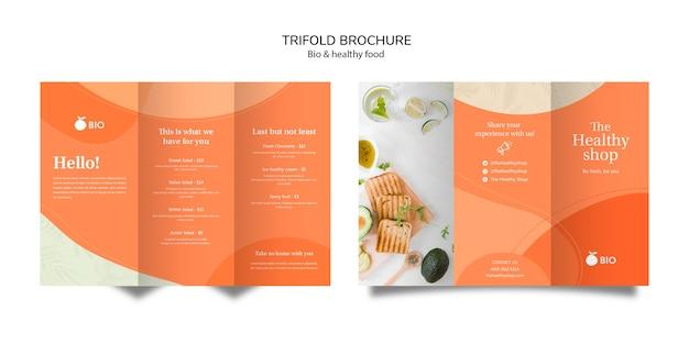 Brochura com três dobras de conceito de comida saudável e bio